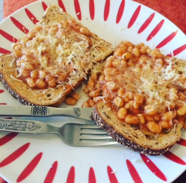 Cheesy beans on toast | 26 British Junk Foods The Rest Of The World Urgently Needs