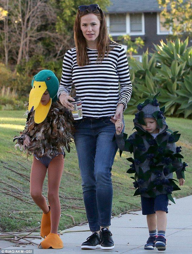 Jennifer Garner takes her kids - dressed as a  mallard and a blueberry bush - to school
