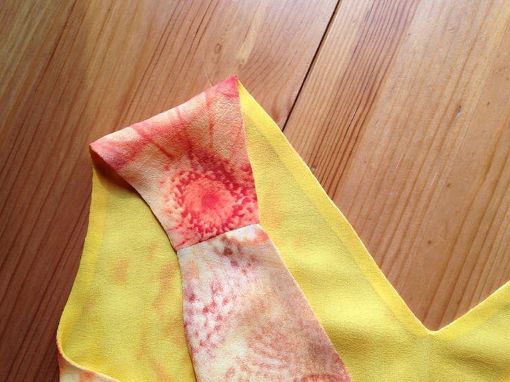Обработка плечевых швов в платье с двойным лифом