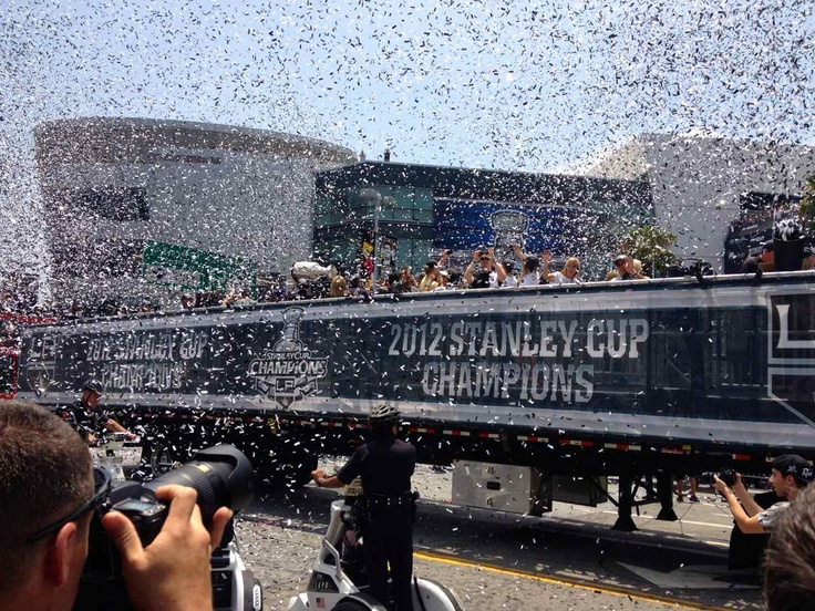 Los Angeles To The Hockey World: Here's 250,000 Reasons Why This Is A Hockey Town