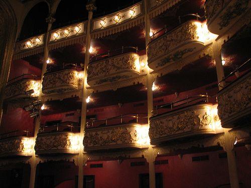 """National Theater, Panama"" vía @rbglasson"