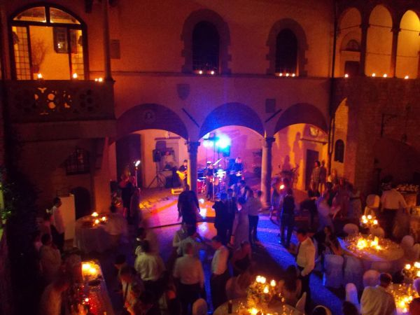 Castello il Palagio.....live music and a candle light dinner..