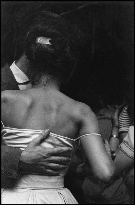 1961. by © Elliott Erwitt - (b. 26 July 1928 Paris, France) is an advertising…