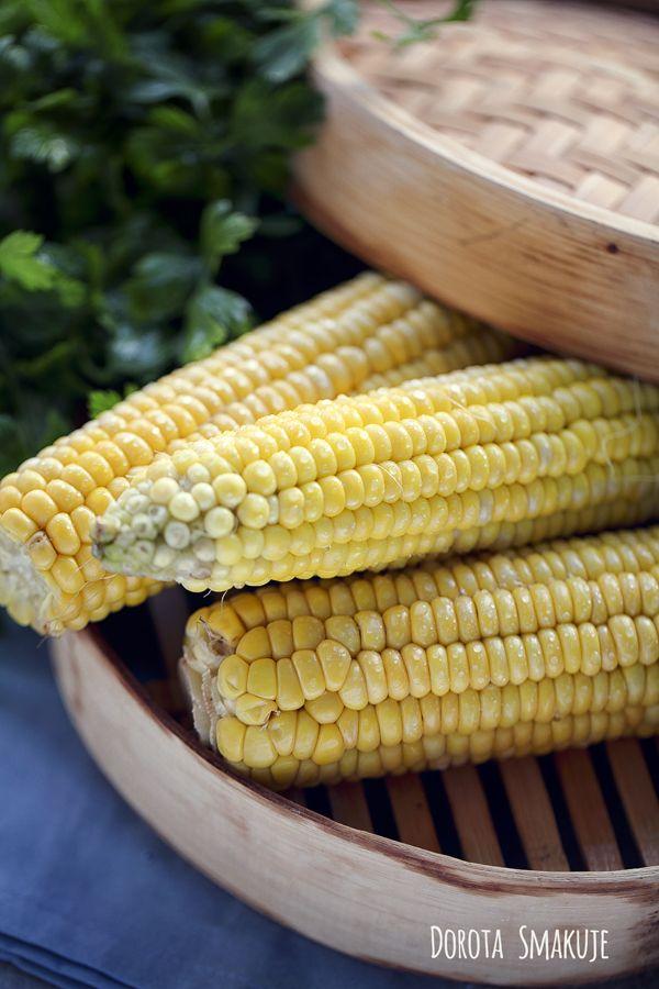 Kukurydza w kolbach gotowana na parze