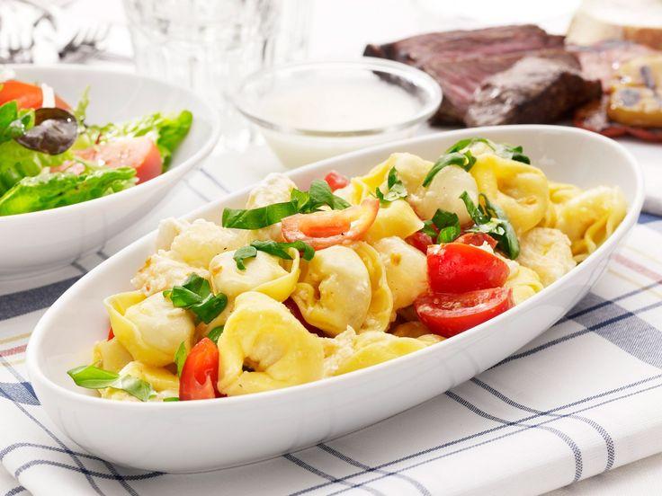 Tortellinisallad med mozzarella och melondressing