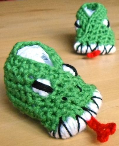 Free Crochet Pattern For Monster Slippers : 10+ images about Crochet - Baby And Kids Shoes 3 ...