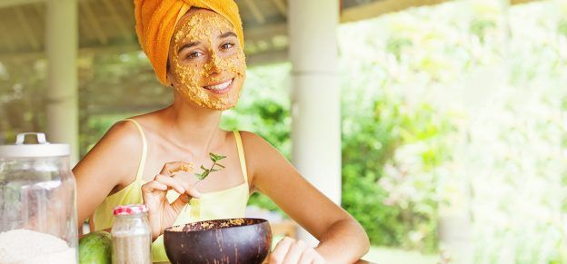 11 Simple Homemade Oatmeal Face Packs With Pictures
