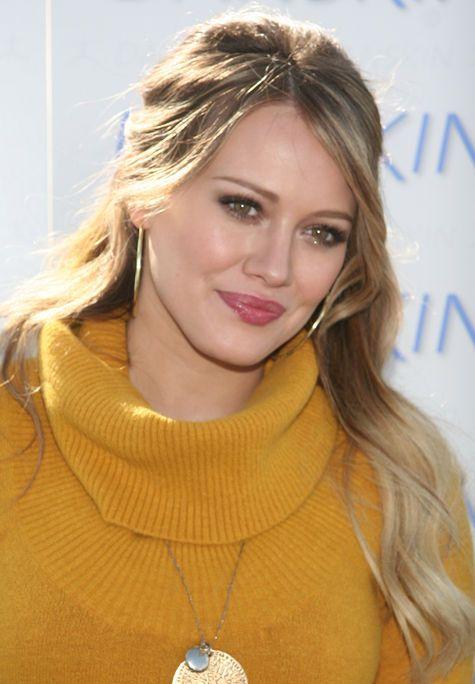 Hilary Duff da la bienvenida a su bebé en Twitter