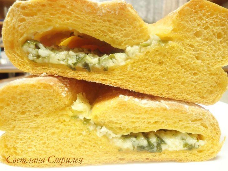 Томатный хлеб с чесноком, сыром и зеленью. Рецепт c фото, мы подскажем, как приготовить!