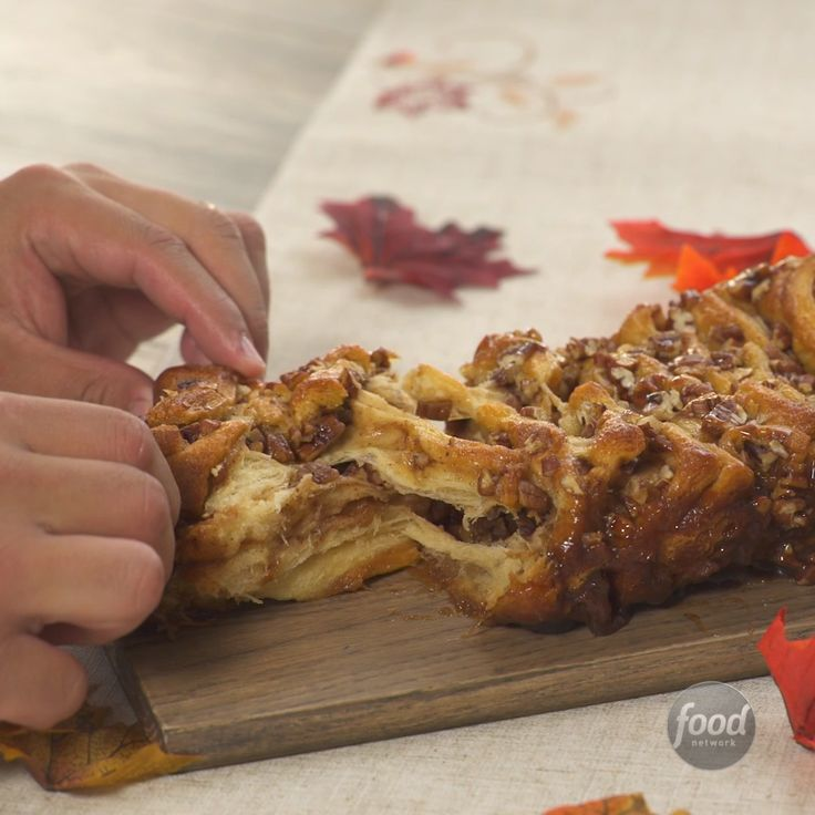 Recipe of the Day: Sticky Pecan Pull-Apart Bread Give thanks — it's still pumpkin spice season. This sticky, crunchy and gooey pull-apart bread is perfect for a crowd. Pecans, caramel and pumpkin pie spice combine to make it your new fall favorite.