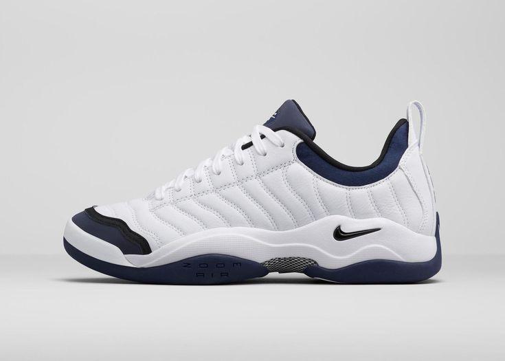 Nike Air Oscillates