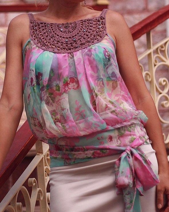 Crochê e tecido. A beautiful way to use a great large silk scarf