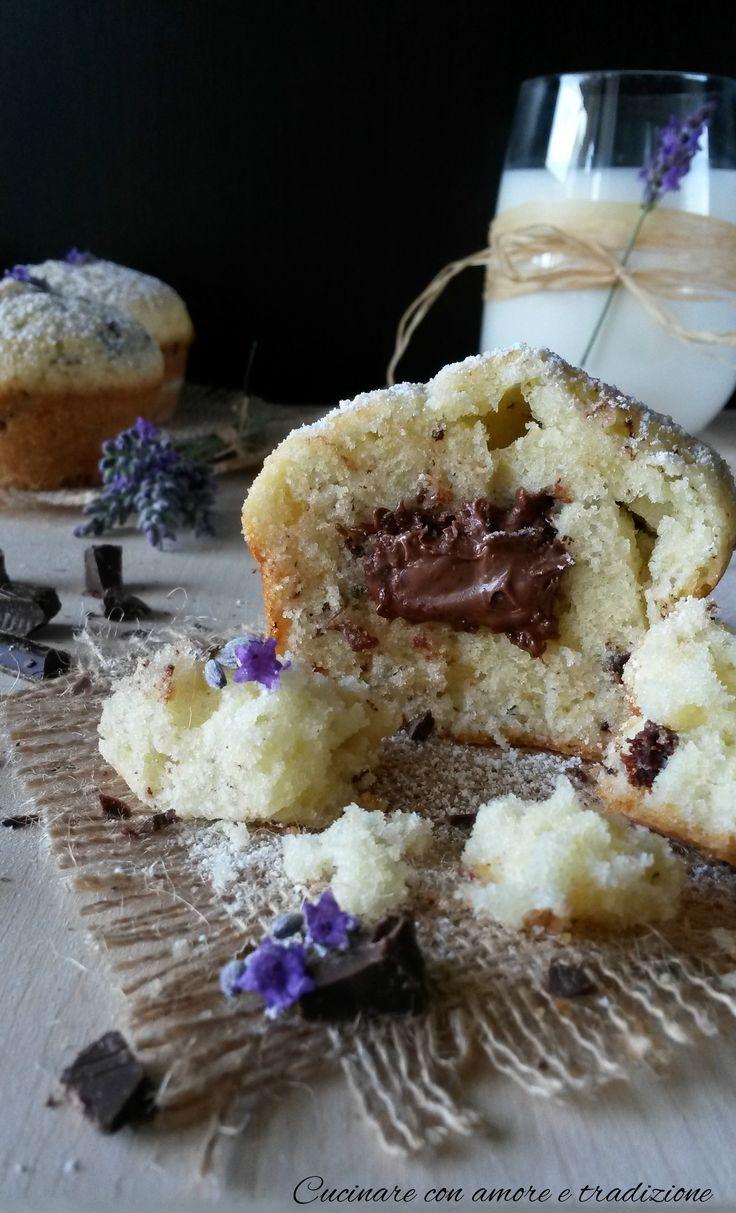 Muffins+alla+panna+con+cuore+morbido+di+nutella