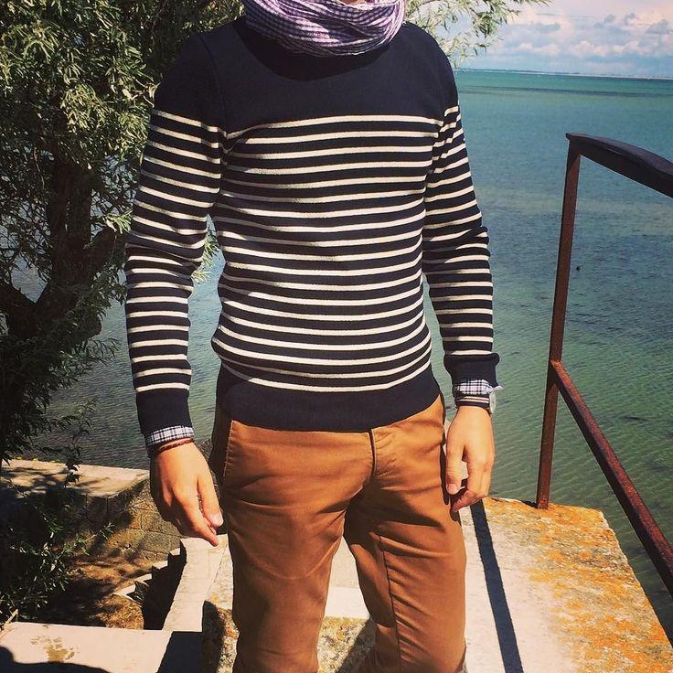 S'abandonner avec délice au cliché du pull marin rayé : c'est ça aussi le grand plaisir d'être à l'île de Ré ! /// Indulging in the delicious cliché of the striped seaman' sweater: that's also part of the pleasure of being on Ré Island! ---- #menstyle #menswear #menfashion #modehomme #ootd #ootdman #ootdmen #pullmarin #stripes #ilederé #iledere #atlantique #frenchatlanticisland #frenchatlanticcoast #saintjames #ShowYourStripes #intweedwetrust