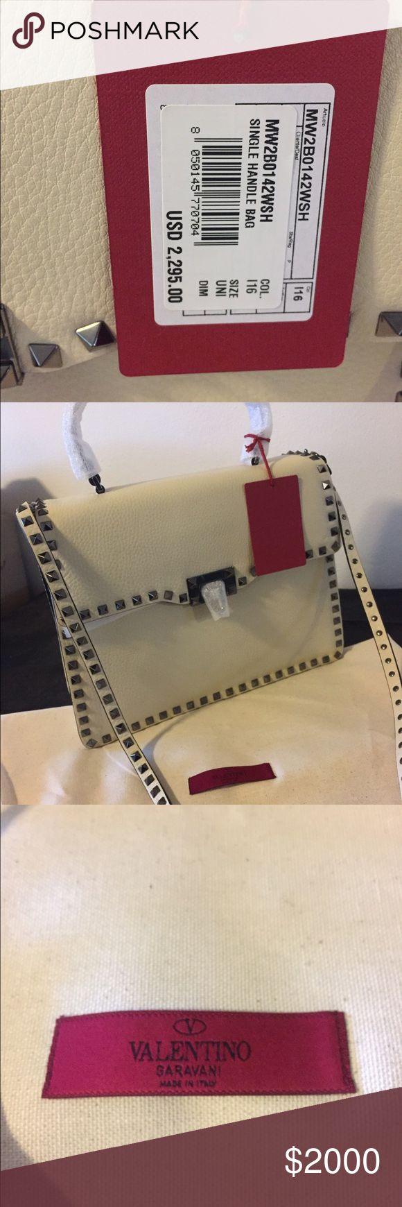 "Valentino Garavani Ivory ""Medium Rockstud Tote"" Valentino Garavani Ivory Leather ""Medium Rockstud Tote"" Bag 100% authentic Valentino Bags Totes"