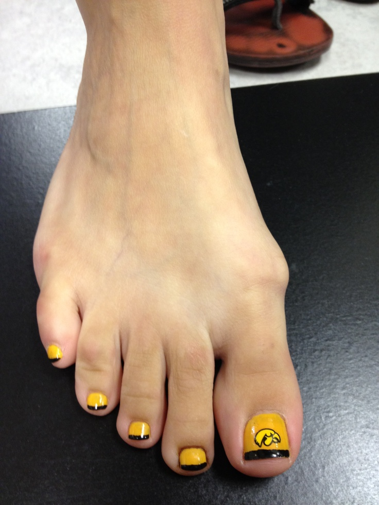 Hawkeye pedicure available at city looks salon and spa for Looks salon and spa