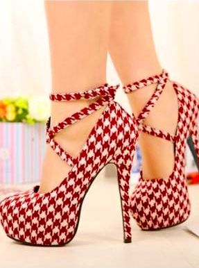 Pretty! But needs a lower heel... (I mean, seriously, how are you supposed to walk in those?)