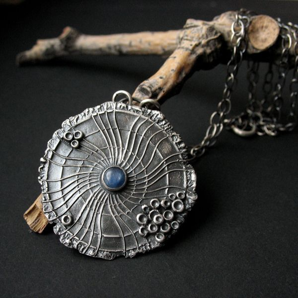 Organica - Spinning Universe - silver pendant with kyanite by Anna Fidecka