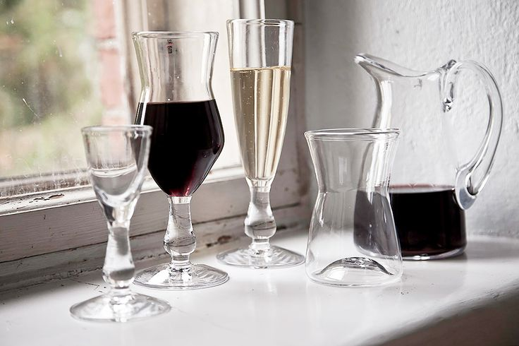 "Vapaus ""Freedom"" glasses and pitcher by Mafka, glass artist Marja Hepo-aho."