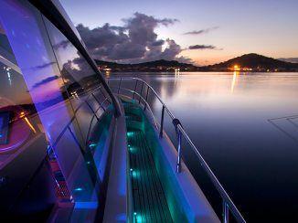 Power boats charter - SAURON - Gallery - Sunreef Charter