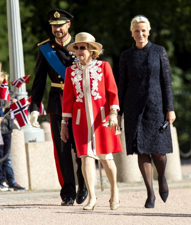 Norwegian Royals Host Estonian State Visit....Posted on September 2, 2014 by HatQueen.....Queen Sonja, Crown Prince Haakon and Crown Princess Mette-Marit.