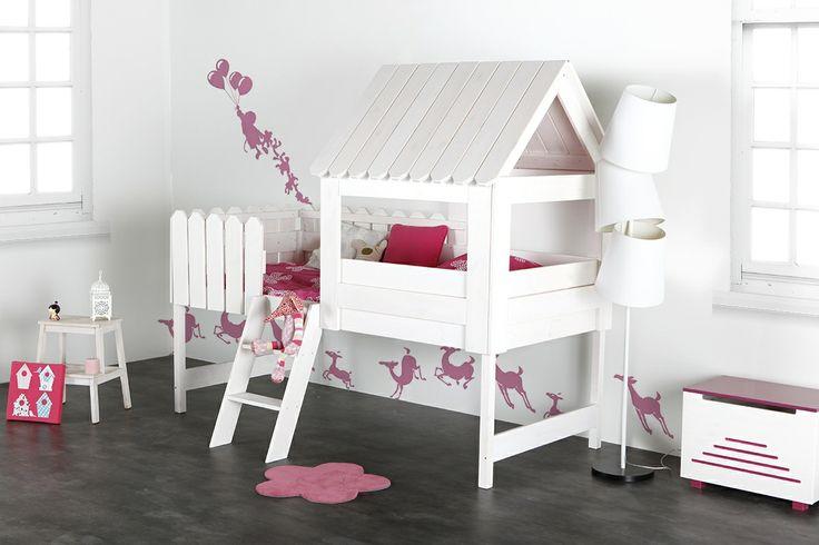Lit cabane enfant blanc LITTLE HOUSE Lettino a casetta by miliboo troppo bello! Lo voglio per Alyssa!