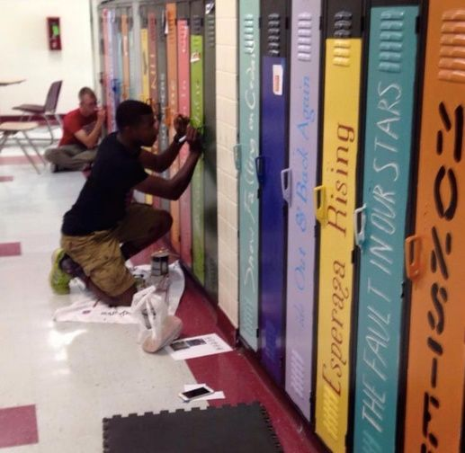 A group of Mississippi teachers just turned a boring high school hallway into a work of art