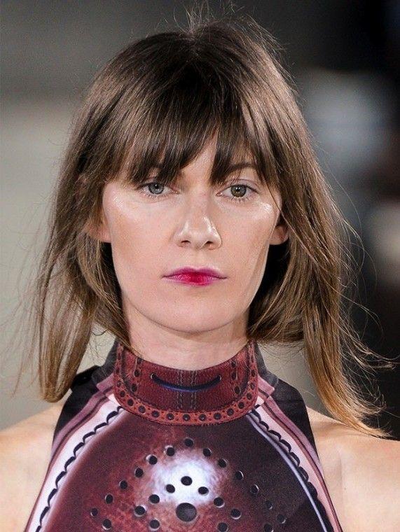 Acconciature capelli lunghi con frangia (Foto 40/40) | Donna Nanopress