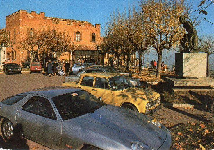 La Morra, Piazza Castello