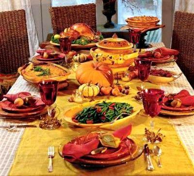 La fête de Thanksgiving, célébrée le quatrième jeudi de novembre aux Etats-Unis, est l'une des fêtes les plus importantes du calendrier américain. Nous vous proposons de découvrir l'histoire de cette journée d'action de grâce et les traditions qui lui sont associées.