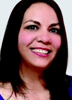 Judith Esmeralda Aparicio  Con 17 años de experiencia en áreas de la industria electrónica como ingeniería, calidad y producción, actualmente se desempeña como Gerente de Almacén en Foxconn. Cuenta con maestría en Sistemas de Calidad por la Universidad de Guadalajara y obtuvo el título de Ingeniería en Comunicaciones y Electrónica por la misma universidad. En adición, obtuvo certificación como Black belt por el Instituto Lean Six Sigma.