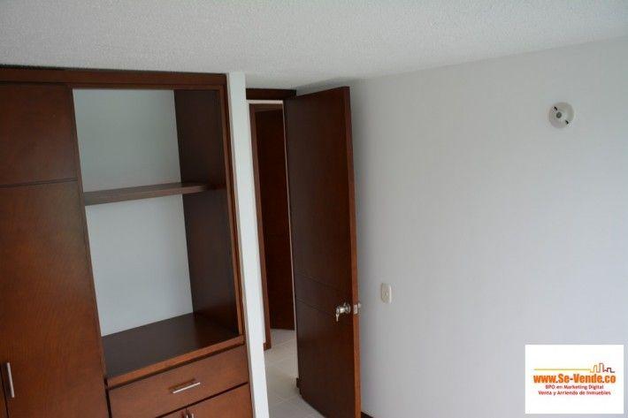 Se-vende Apartamento 2 Piso UR. Melendez.