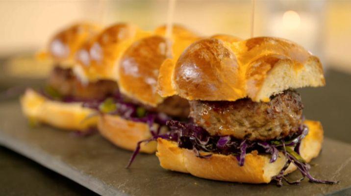 Cam's Kai Episode 17 - Thai Pork Burgers