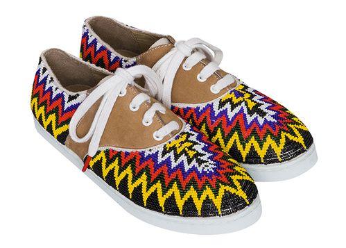 Sneakers Gacha fabriquées main au Cameroun, et dont une partie des bénéfices sera reversée à la fondation Jean-Félicien Gacha Twins for peace
