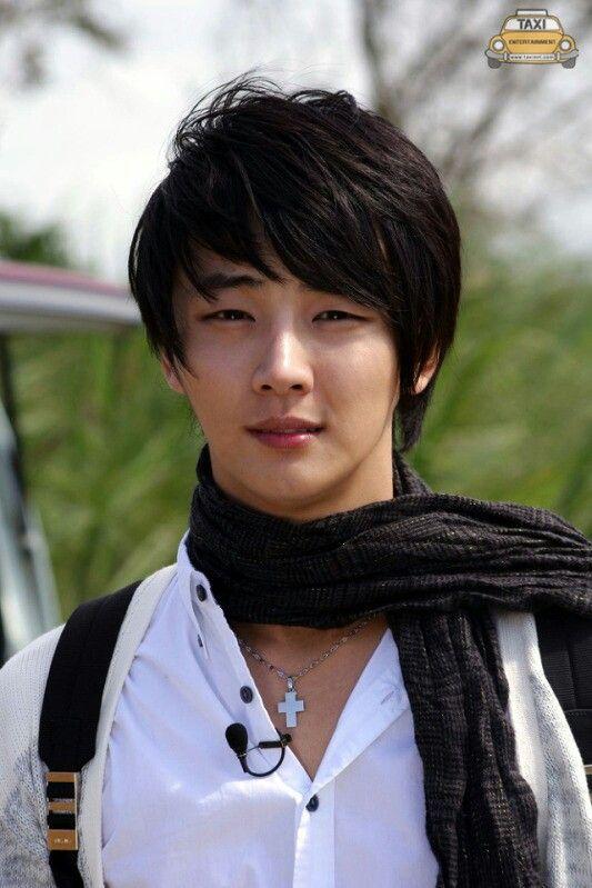 Kpop Hotness: [RANDOM HOTNESS] Actor Yoon Shi Yoon Sexy