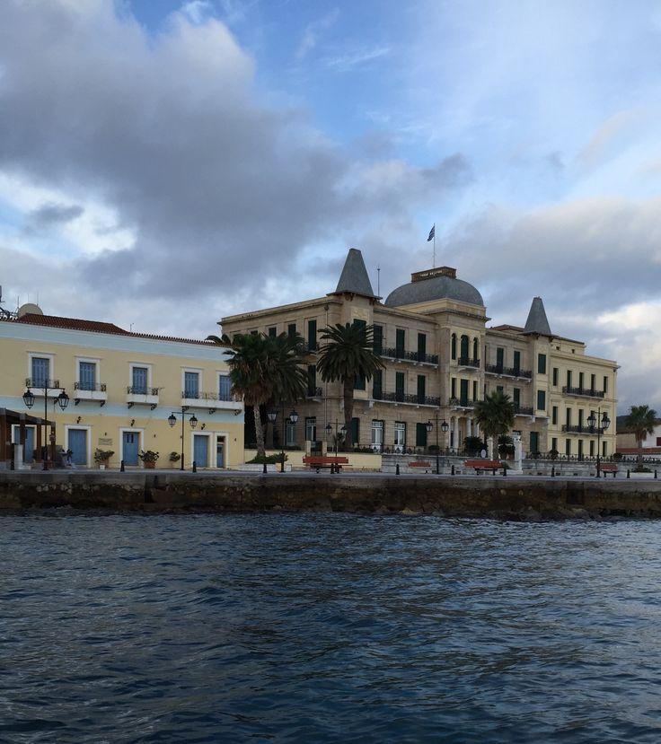 Λιμάνι Σπετσών (Spetses Port) στην πόλη Σπέτσες, Αττική