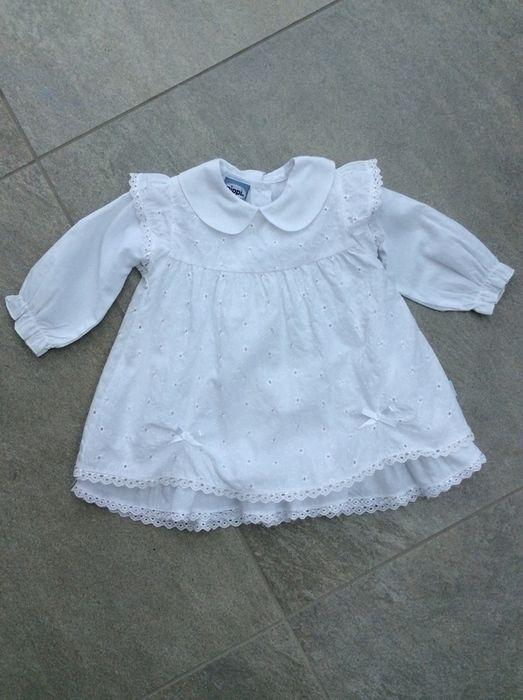 Mein Süßes elegantes Taufkleid / Sommerkleid / Hochzeitskleid 2-teilig weiß / Gr. 68 / super Zustand von PIPPI! Größe 68 für 39,80 €. Schau´s dir an: http://www.mamikreisel.de/kleidung-fur-madchen/taufkleidung/34049587-susses-elegantes-taufkleid-sommerkleid-hochzeitskleid-2-teilig-weiss-gr-68-super-zustand.