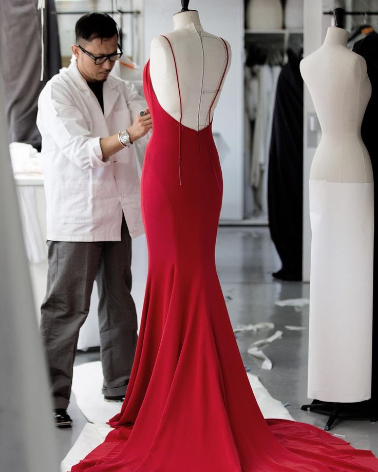A glimpse inside Dior's atelier on Avenue Montaigne in Paris where Charlize Theron's #Diorcouture dress was on its way to being red carpet ready, thanks to the House's Petites Mains. #DiorSavoirfaire #Oscars