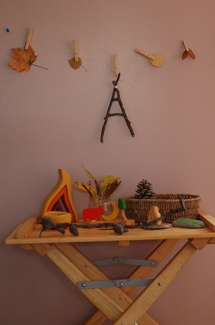 autumn nature table - could be done for every season!