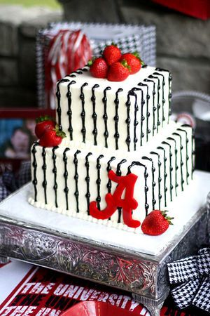 A gallery of eye-popping Alabama- and Auburn-themed wedding cakes | AL.com
