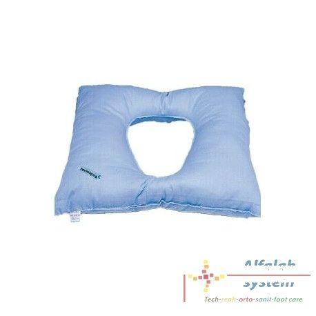 CUSCINO IN FIBRA CAVA SILICONATA Codice  A15 -  - Prodotto  Nuovo - Il cuscino è realizzato con foro centrale. La struttura della fibra permette il passaggio dell'aria e quindi un'ottima traspirazione della cute.