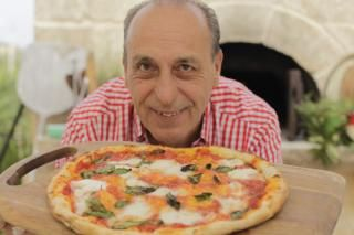 Traditional home made Italian margarita pizza recipe (jamie oliver)