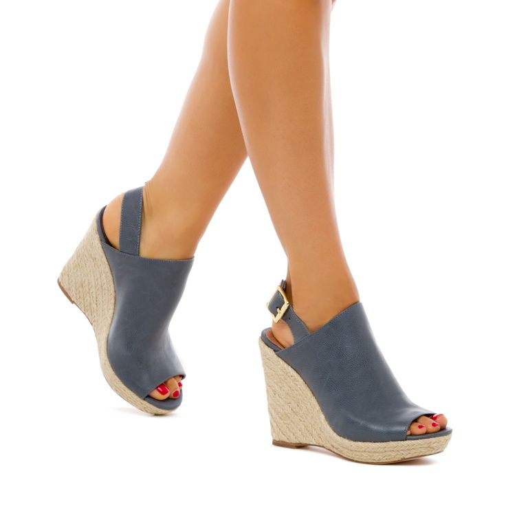 love this blue wedge