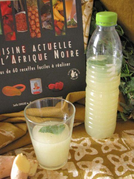 JUS DE GINGEMBRE     250 g de gingembre frais     125 g de sucre     quelques feuilles de menthe     1 litre d'eau  Préparation      Eplucher le gingembre. Le couper en morceaux et le mixer.     Ajouter le sucre et l'eau. Mettre dans une bouteille et ajouter les feuilles de menthe.     Bien secouer et laisser macérer pendant 1 nuit au moins.     Selon votre goût, vous pouvez ajouter du sucre et si vous le voulez plus fort, vous pouvez doubler le gingembre en gardant la même quantité d'eau.