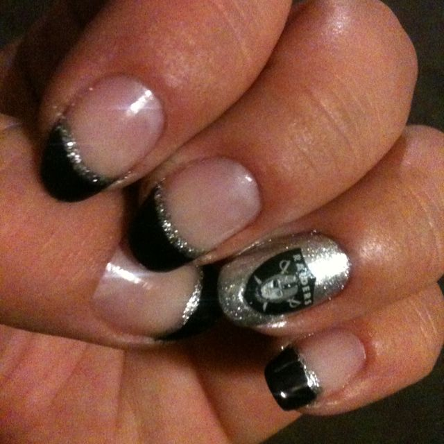 Raider nails :) add a little line of purple for NoFo