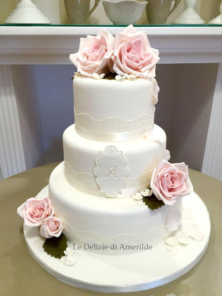 Le Delizie di Amerilde.  White & rose cake. www.ledeliziediamerilde.it