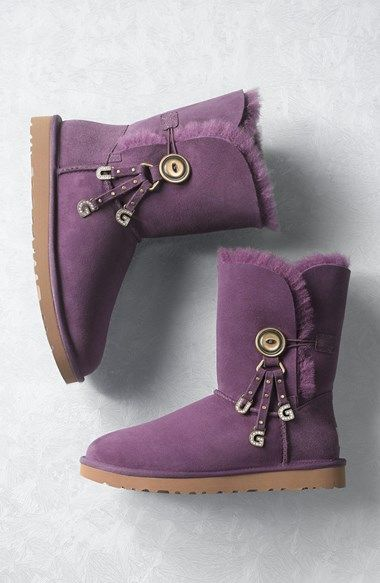 cute charm Ugg boots http://rstyle.me/n/uujjzr9te