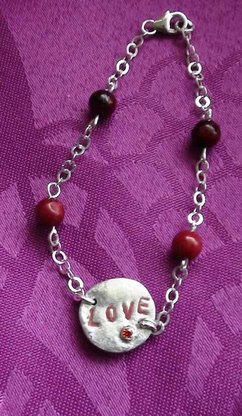 Bracelet LOVE argent, médaille et gravure fait main