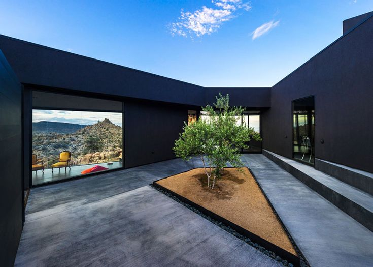 "Oller & Pejic's Desert House designed to look ""like a shadow"""