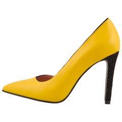 #yellow  #fashion #stiletto #love on www.shoppingromania.com